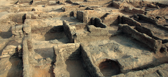 Amarna: ruins of a house